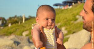 bebe 8 mois pleure des que je le pose
