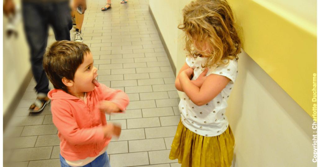 Comment aider notre enfant à surmonter les méchancetés à l'école ?