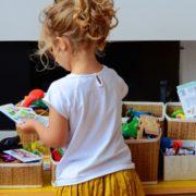 rangement chambre montessori - rangement montessori