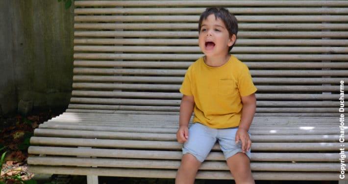 enfant qui crie